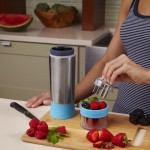 Using the Aqua Zinger Infuser water bottle
